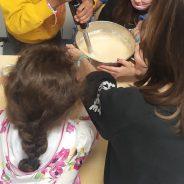 Fizemos bolo com casca de maçã, com as crianças do CATL.